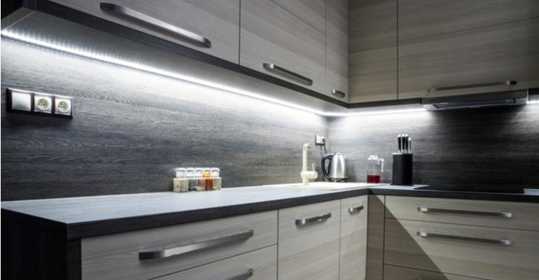 fitas de led em móveis iluminação formóbile